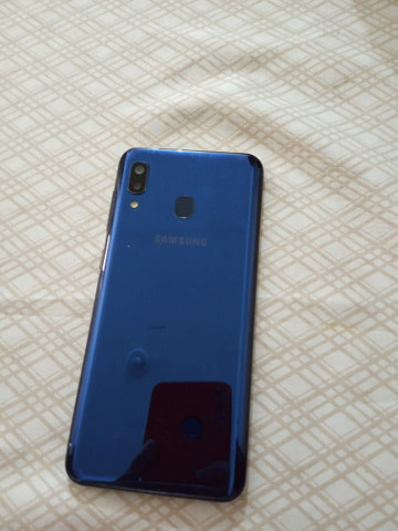 Samsung A20  - Foto 2