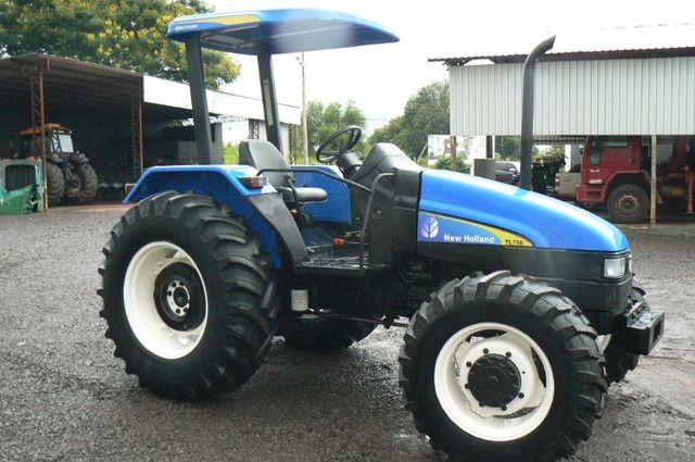 Trator New Holland TL 75 E 4x4 ano 09 - Foto 4