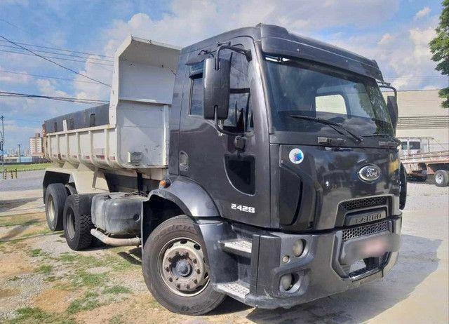 Caminhão ford cargo 2428 120mil