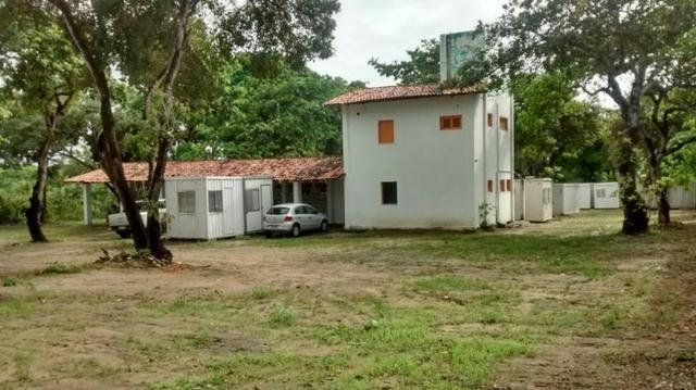 TE0409 Terreno na Avenida Washington Soares, 9.035m² na pista, casa duplex
