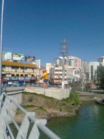 Vende-se apartamento no Centro Guarapari