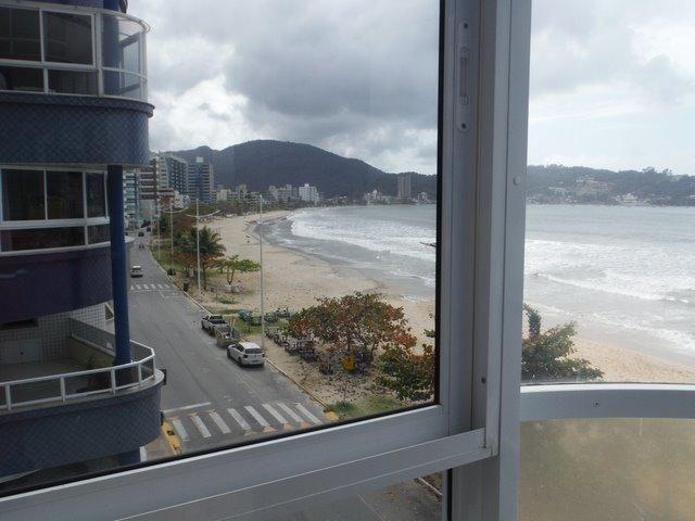 Apartamento frente praia 4 quartos com ar - Foto 2