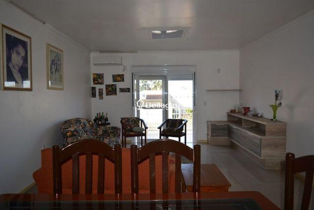 Casa com 4 dormitórios, vaga para 3 automóveis, hidromassagem e piscina - Foto 4