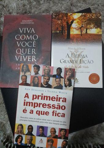 Kit 3 Livros Escolha O De Sua Preferência Uma Boa Leitura