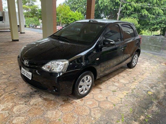 Toyota Etios X 1.3 Hatch - 14/14 - Manual
