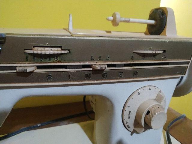 Máquina de costura singer - Foto 3