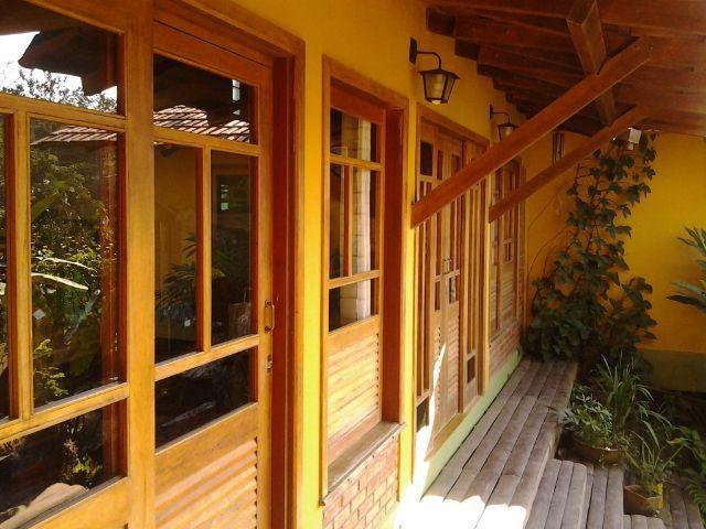 Linda casa no Irineu Serra