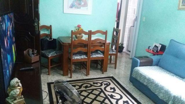 Coelho Neto - Apartamento com 02 Dormitórios