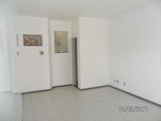 Salas na Galeria Menezes - Foto 3