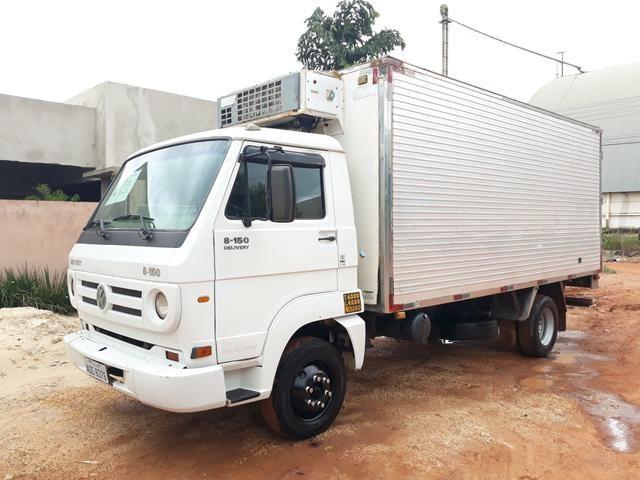 CAMINHÃO BAU 3/4 VW DELIVERY 8.150 CÂMERA FRIA