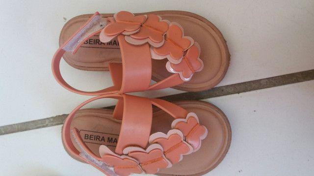 Desapego sandalhinhas infantil cada uma 20 ó o pretinho 40 - Foto 3