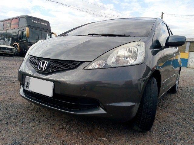 Honda Fit lxl flex 1.4 101cv cambio manual , dir hid, ar cond abs air bag  2010 - Foto 2