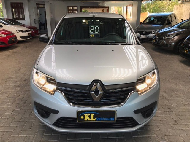 Renault- Logan Life 1.0 Flex Manual (Seminovo, Imposto 2021 pago) - Foto 11