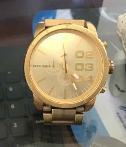ada5200f690 Relógio Diesel Dourado Masculino DZ-4268 - Bijouterias