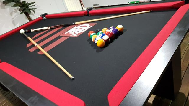 Mesa de Bilhar Cor Preta Tecido Preto Bordas Vermelhas Flamengo Modelo FLA1028 - Foto 5