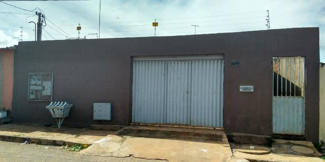 Vendo casa em Águas Lindas, com 3 Quartos, 2 Ban. / 2 Gar. + 2 Kits, independentes