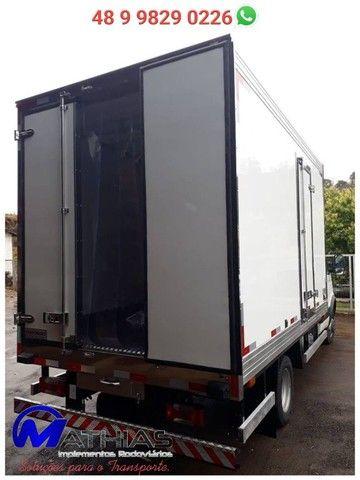 bau termico para caminhão iveco novo sob encomenda Mathias implementos  - Foto 2