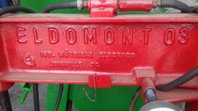 Desmontadora de pneus da marca Eldmont  R$  2.900,00