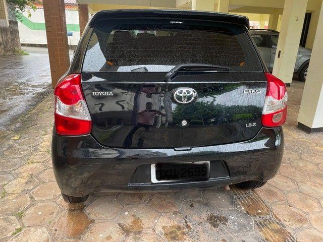 Toyota Etios X 1.3 Hatch - 14/14 - Manual - Foto 4