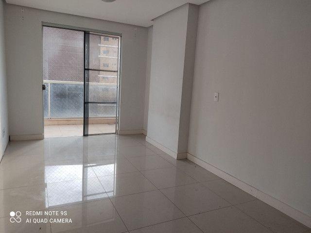 Alugo apartamento edifício moriah