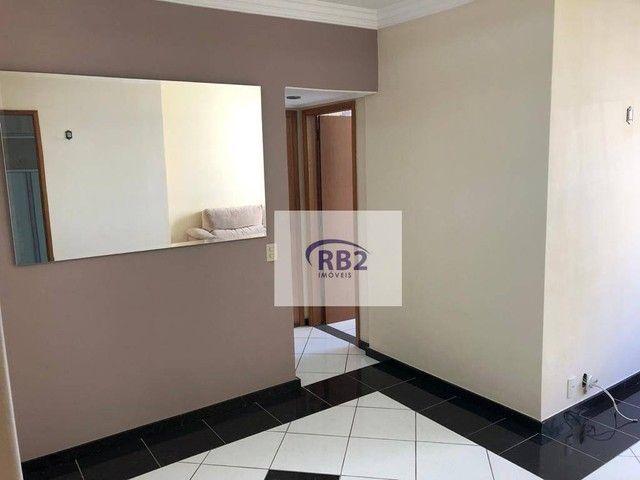 More em ótimo apartamento mobiliado de 2 quartos com excelente localização - Foto 2