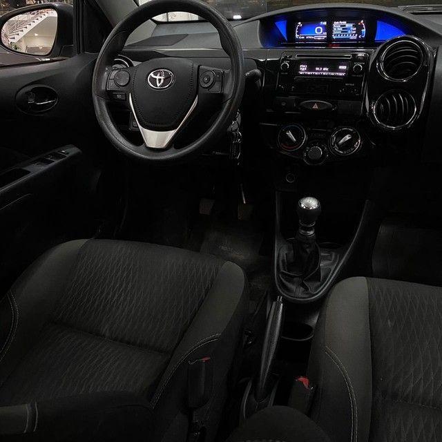 Toyota Etios XS 1.5 Sedan 2018 - Foto 5