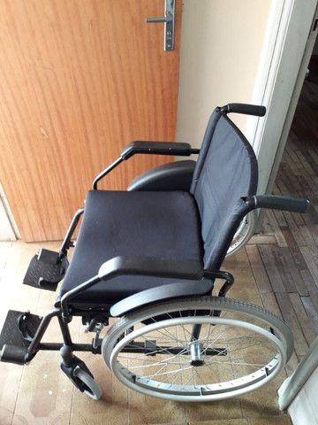 Cadeira de Rodas - Foto 2
