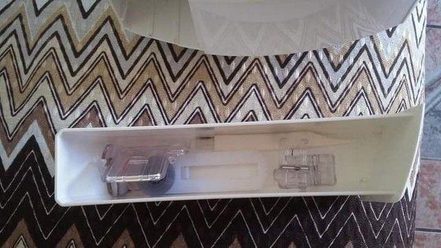 Vendo máquina de costura super nova . - Foto 5