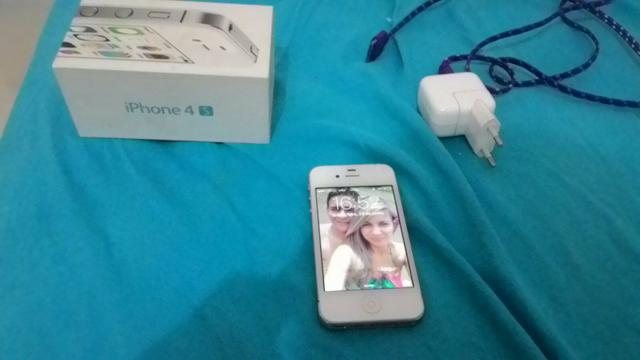 Vende-se Celular iPhone 4 S