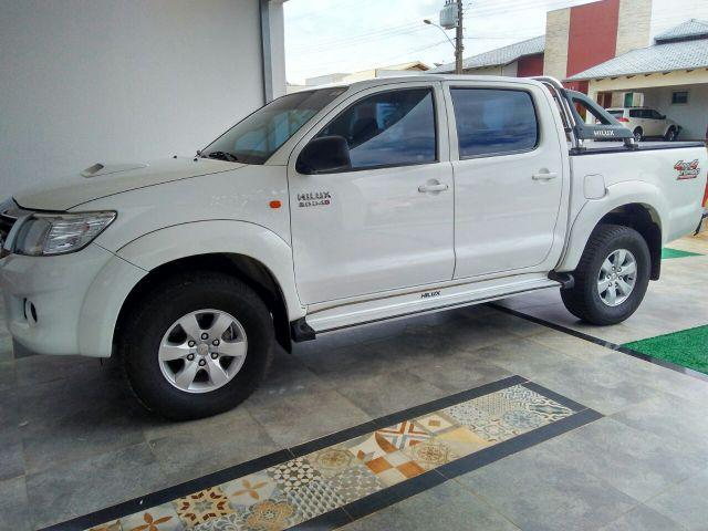 Toyota Hilux CD SR 4x4 3.0 ano 2014 com 171cv