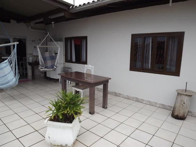 Sobrado central na Praia c/ 03 suítes mais 04 dormitórios! Ideal para aluguel de quartos - Foto 10