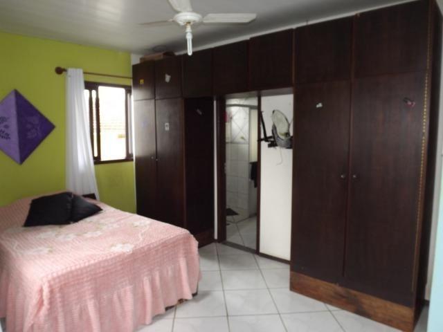 Sobrado central na Praia c/ 03 suítes mais 04 dormitórios! Ideal para aluguel de quartos - Foto 2