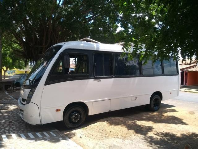 Vendo micro ônibus neobus 2008/09 - Foto 2