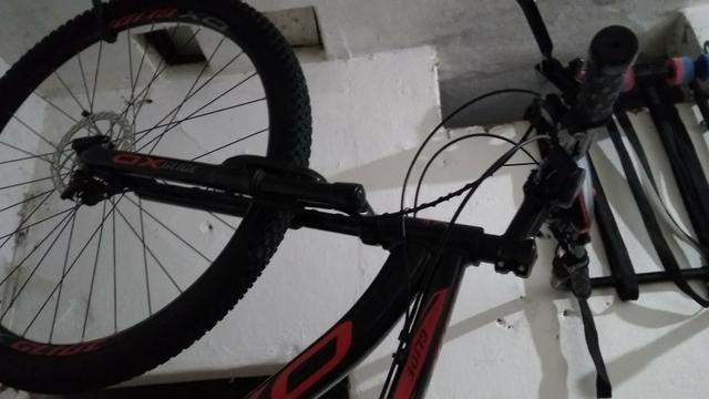 Vendo bike aro o.x 29 toda documentada - Foto 6