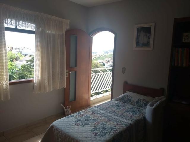 Vendo- Casa com três dormitórios em São Lourenço-MG - Foto 14