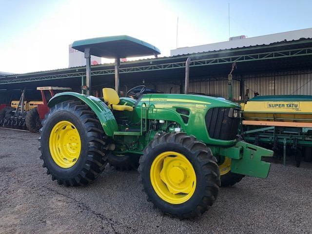 John Deere 5085 E 4x4 ano 2012