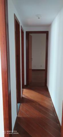 Alugo Apartamentos na Rua Cambaúba