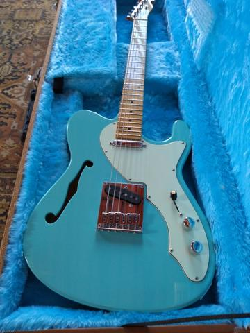 Guitarra Tagima T484 com case