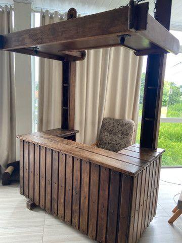 Bar de madeira com luz - Foto 2