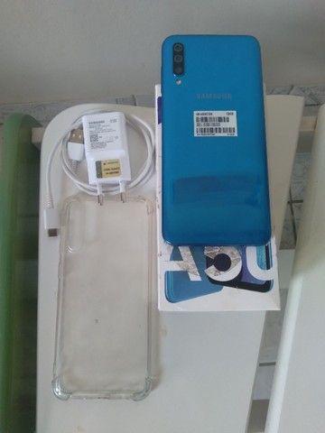 Vendo A50 128 GB semi novo, acompanha carregador,caixa, capinha e película.  - Foto 4