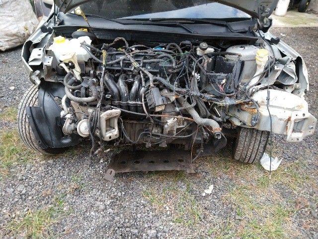 Ford Fiesta Sedan 1.6 Class 2013 batido barato oportunidade  - Foto 8