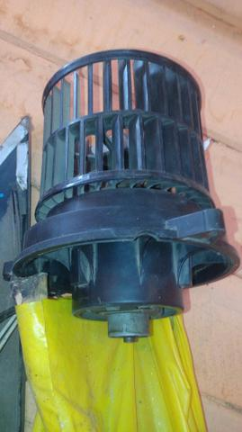 Vendo. este ventilador de dentro semi novo do fiesta2010