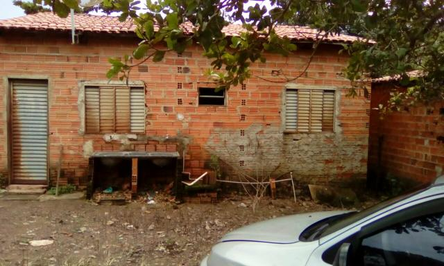 Vendo casa em Taquaruçu