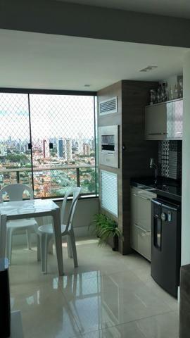 Vendo apartamento no Edifício Jerônimo Costa, 3/4 sendo uma suite, andar alto, 87m², somb
