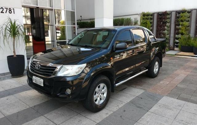 Toyota Hilux 2013, 74.000 km praticamente único dono, impecável