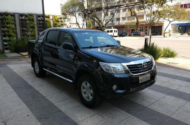 Toyota Hilux 2013, 74.000 km praticamente único dono, impecável - Foto 2