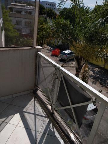 Alugo apartamento de frente com varanda - Foto 12