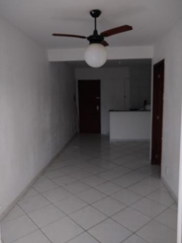 Alugo apartamento de frente com varanda - Foto 7