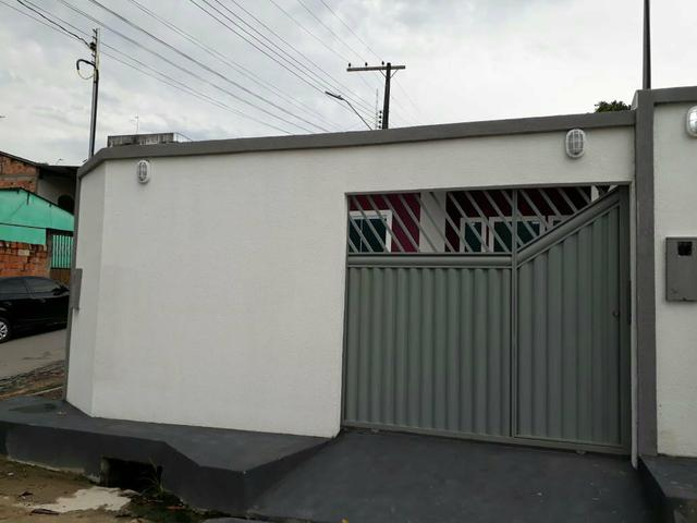 Casas próx ao shopping via norte, aceito carro ou moto como parte do pagamento