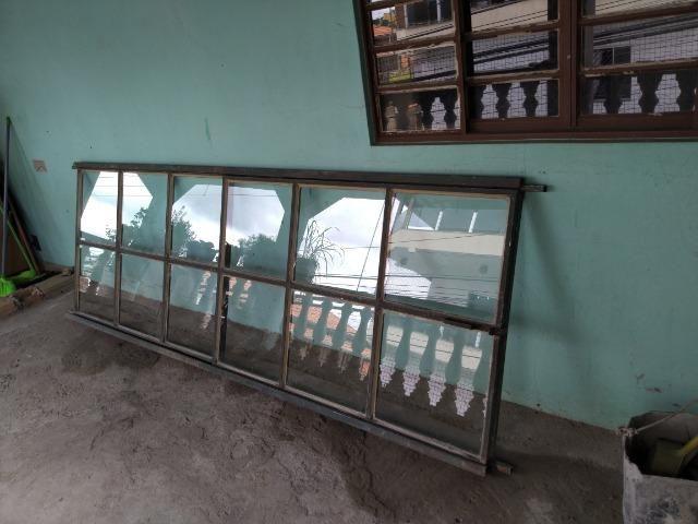 Janela de ferro c/vidro - Foto 2